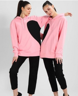 New Arrival Fashionable And Trendy Hoodie Set With Heart Printing