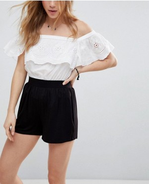 Wholesale And New Arrival Shorts In Black Color