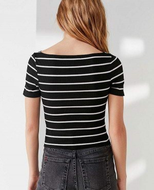 Black-T-Shirt-With-White-Stripes-RO-2482-20-(1)