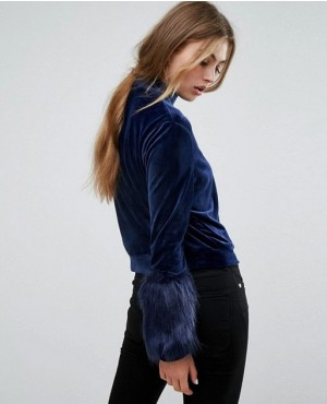 Custom-Made-Sweatshirt-With-Faux-Fur-Trim-Cuffs-RO-2995-20-(1)