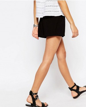Relaxed-Short-RO-102440-(1)