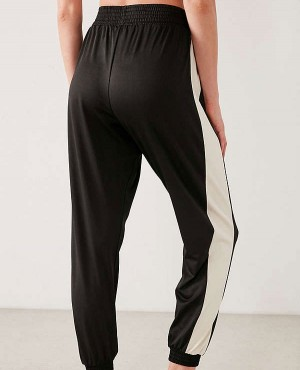 Sexy-Fitted-Skinny-Stripe-Track-Pant-RO-3158-20-(1)