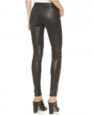 Women-Front-Zipper-Black-Leather-Pant-RO-102789-(1)